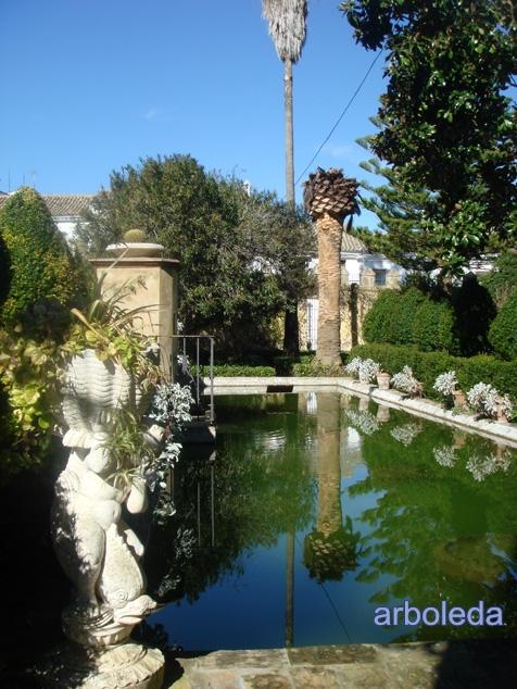 El jard n de los suspiros bornos c diz el trote de la for Casa jardin culebra